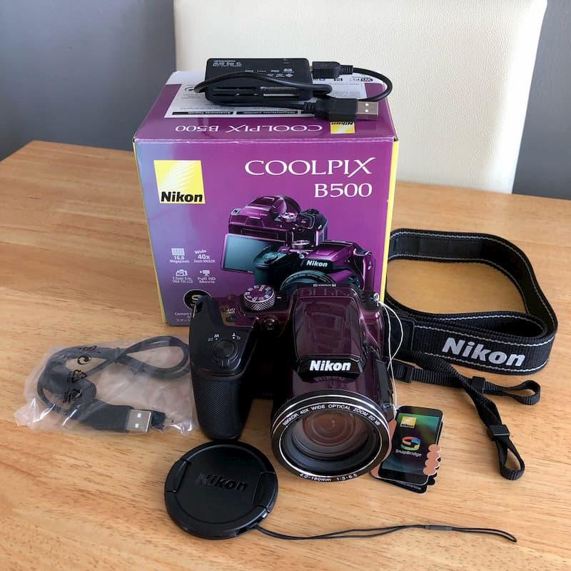 محتويات علبة كاميرا نيكون Nikon Coolpix b500